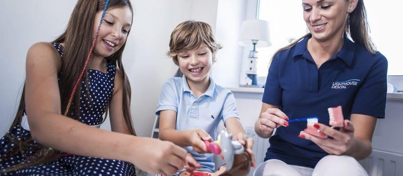 lighthouse dental dentysta stomatolog szczecin dominika polak joanna serewa stomatologia dziecięca jak dbać o zęby dzieci